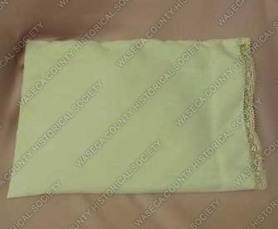 34 96 3 - Pillowcase, doll (17511) - Artifacts from our